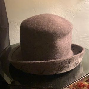 Accessories - Gray hat made in Italy!